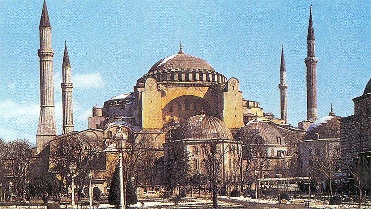 constantinoples fall essay By 350 ad, constantinople was one of the worlds greatest capitals the city was located between asia and europe, making it a very diverse and strategic place the.